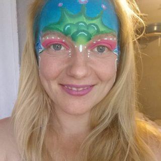 Vores nye ansigtsmaler Astrid J